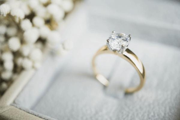 Buckeye Gold We Buy and Sell Diamond Jewelry